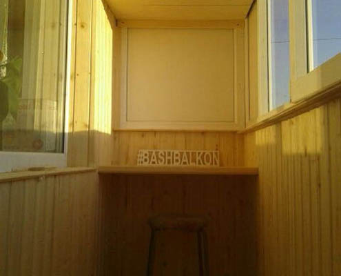 стол на лоджии