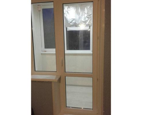 дверь на балкон 555