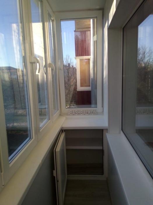 остекление балкона и монтаж шкафчика