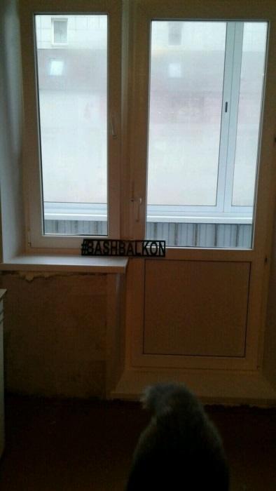 остекление и установка двери на балкон
