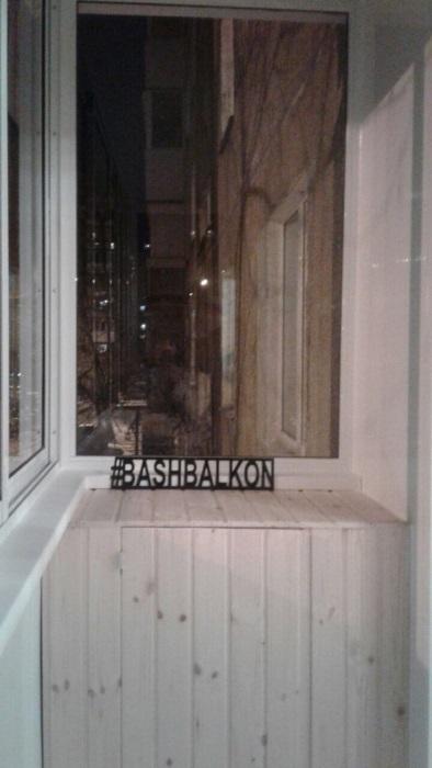 остекление и шкафчик на балконе