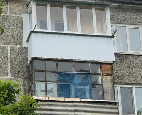 балкон в хрущевке с крышей