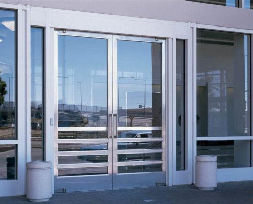 алюминиевые двери в уфе с монтажом на заказ