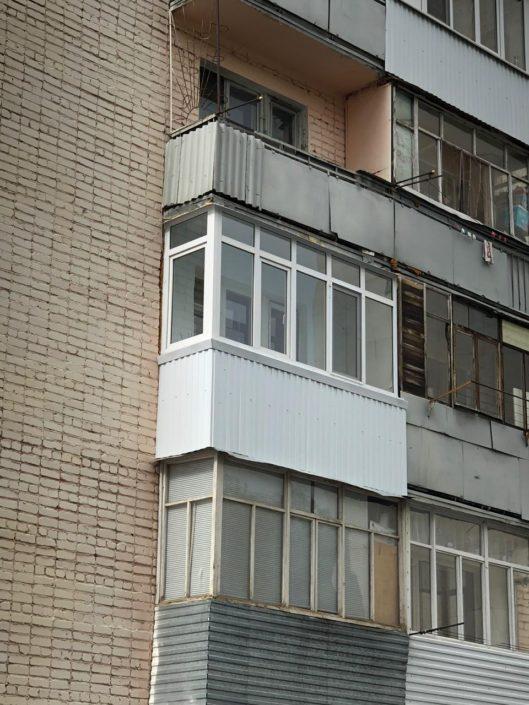 остекление балкона недорого