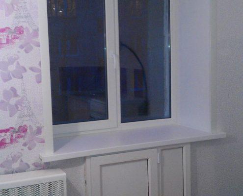 Окно на кухне в хрущевке с холодильником